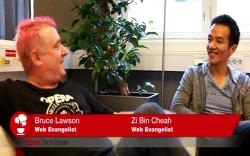 Bruce ve Zi Bin, HTML5 hakkında konuşuyor.